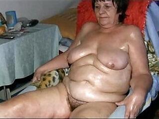 Old grandma pulling dildo in her pussy in the bathroom