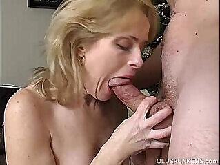 Sexy amateur enjoys a long and hard fuck