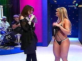 Juliana Salimeni Desfile de Lingerie Super Pop at lingerie niche
