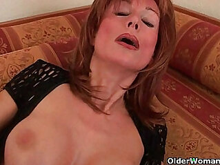Redheaded grannies in lust fuck dildo