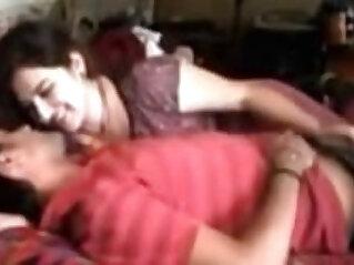AMATEUR INDIAN COUPLE HAVING SEX